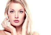 kobieta-twarz-krem-kosmety