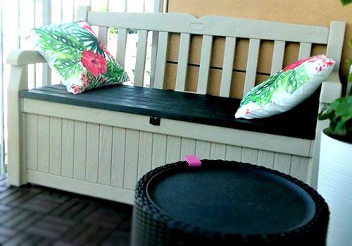 ława ze skrzynią podłogową i stolik